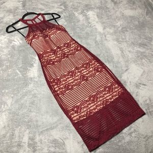 NWOT Guess Burgundy Body Con Lace Halter D…